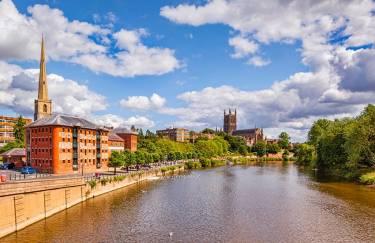 Oxford International, University of Worcester, Вустер