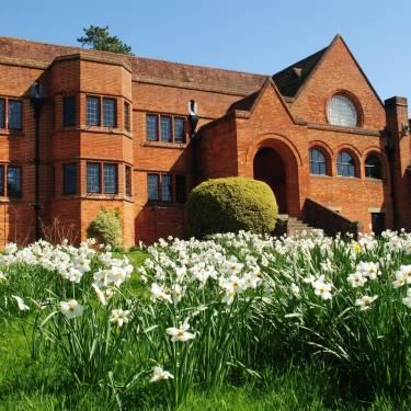 Oxford International, Bedales School, Петерсфилд