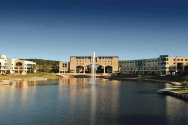 Bond University  Квинсленд, Саутпорт