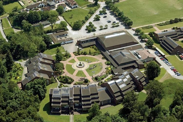 Discovery Summer ACS Cobham School, пригород Лондона