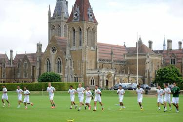 Arsenal Football Camp in Charterhouse School, Годалминг