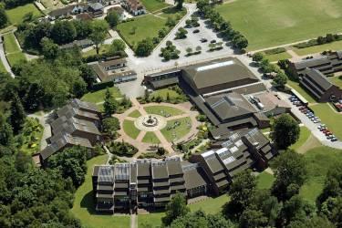 ACS Cobham International School Кобэм