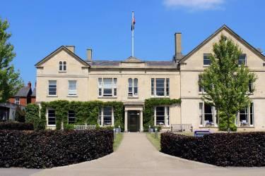 Wycliffe College (Уиклиф) Колледж Wycliffe
